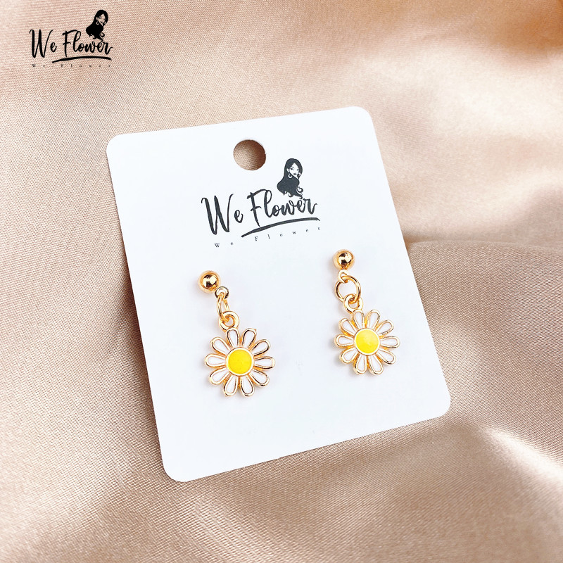 We Flower Trendy Girls Daisy Earrings Chic Fashion Korea Small Sunflower Earrings For Women Female Engagement Brinco Jewelry