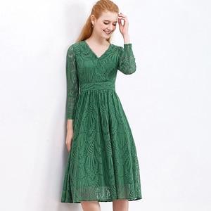 Image 3 - HELIAR Dress 2020 Summer Women Hollow Out 원피스 그린 리프 패턴 레이스 업 캐주얼 무릎 탄성 허리 드레스 여성