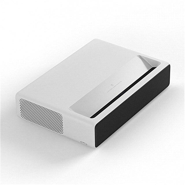 Projetor Xiaomi a Laser - HD 1080p - projeta tela do Smartphone, Sistema: Android TV e Computador - Wifi - Bluetooth- 5000 Lúmens -  2GB 16GB -Versão em Inglês 2
