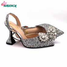 Latest Italian Women Shoes in Silver Color INS Hot Selling Decorate with Rhinestone Comfortable Heels Pumps for Wedding