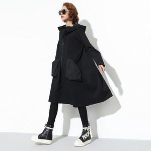 Image 2 - 새로운 2019 일본 스타일 여성 겨울 블랙 후드 드레스 포켓 지퍼 긴 소매 레이디 플러스 크기 휴일 캐주얼 미디 드레스 j220