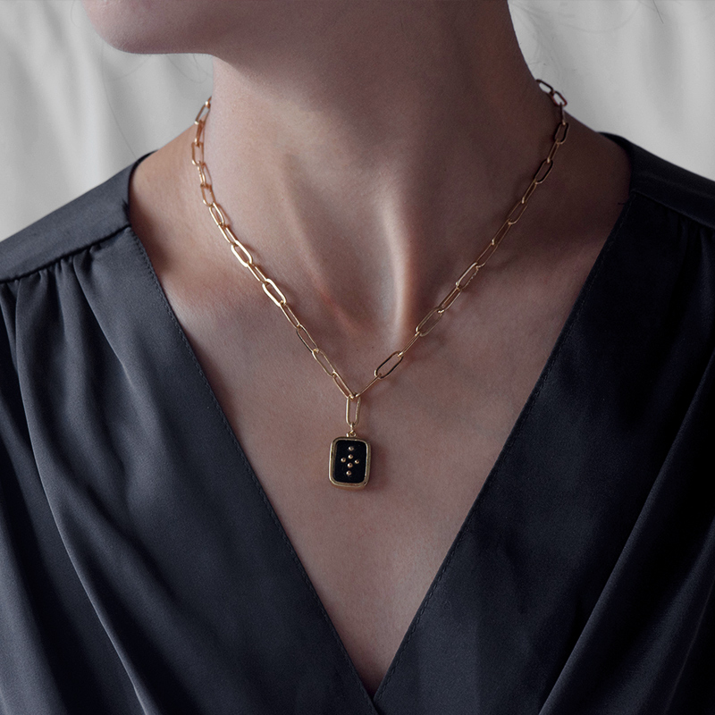 Fever&Free New Arrival Rune Geometric Necklace For Women Multicolor Acrylic Long Chain Pendant Delicate Vintage Jewelry