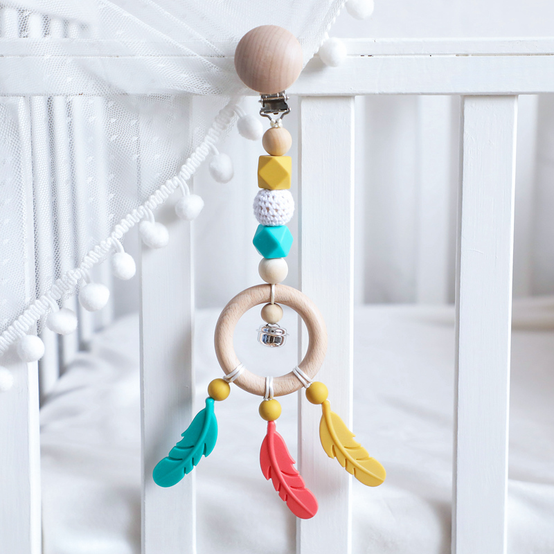 1PC Baby Stroller Chain Wooden Ring Baby Rattles Bpa Free Silicone Feather Pendant Infant Room Hanging Bed Bell Make Noise Toys