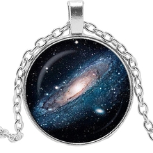 цена 2019 New Hot Space Nebula Pattern Pendant Galaxy Cosmic Necklace Classic Jewelry Art Print Pendant онлайн в 2017 году