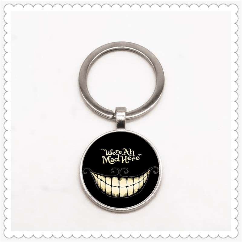 Cute Smiley Pattern Keychain Convex Round Pendant Classic Fashion Men And Women Keychain Gift Jewelry