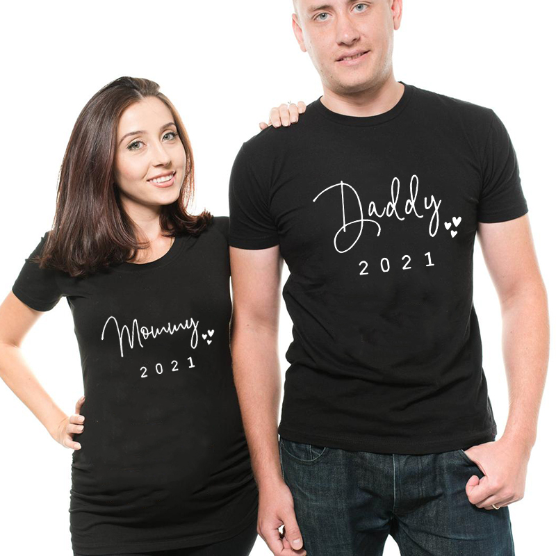 Daddy/mommy 2021 Couple Maternity Matching T-Shirt Baby Shower Birth Announcement Pregnancy Top Pregnancy Gifts for New Parents