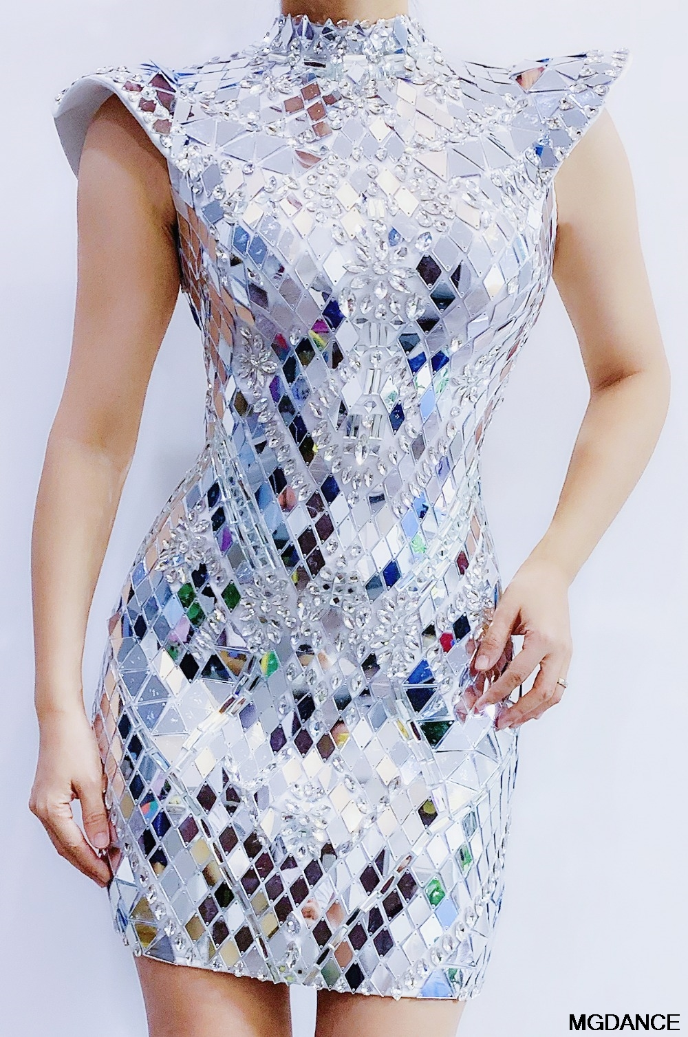 Sexy Dance Sequins Costume Shining Silver Mirrors Crystals Dress Evening Birthday Party Celebrate Rhinestones Dress Wedding
