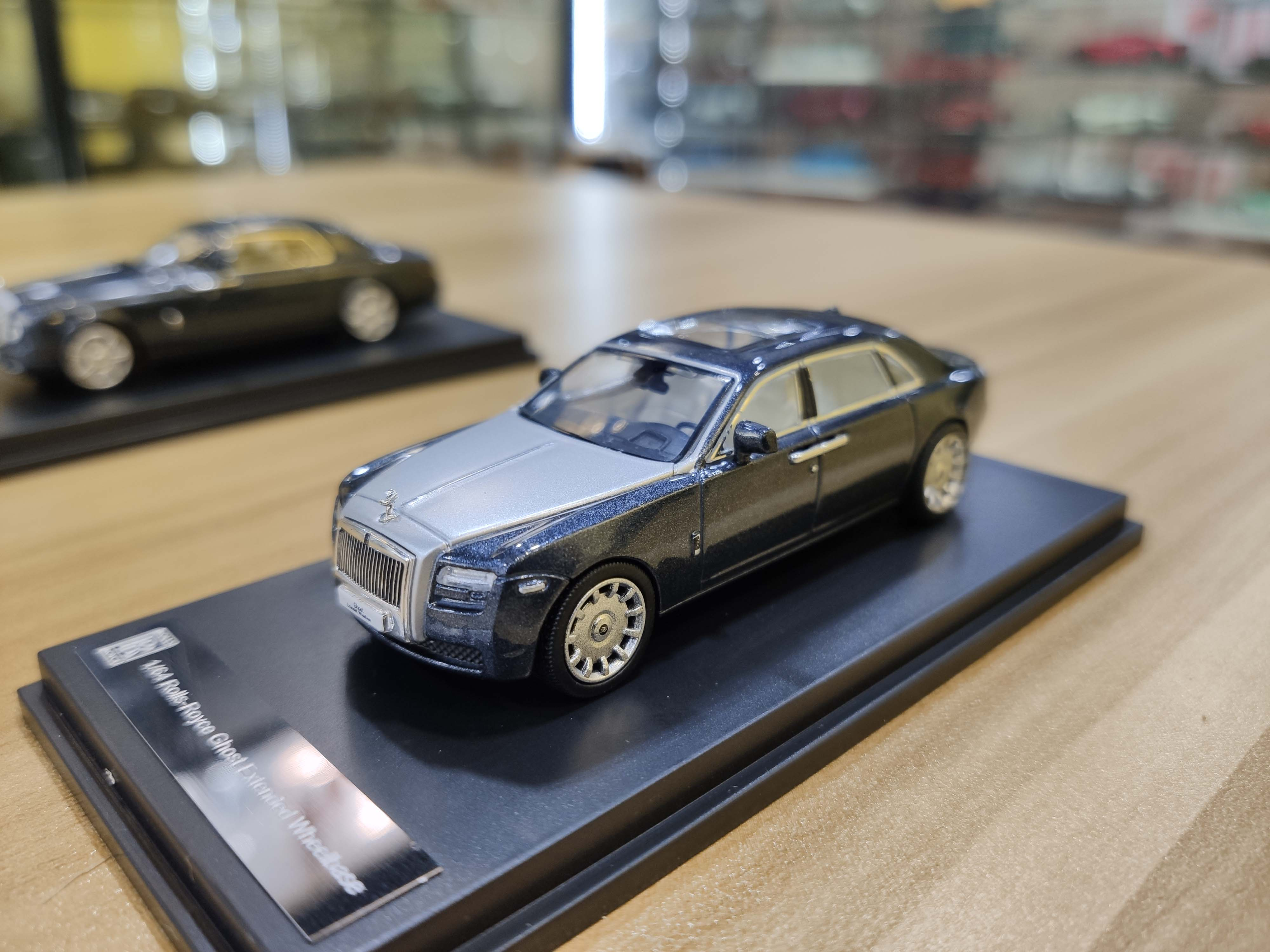 Time Model 1/64 Toy Rolls Royce Ghost Coupe Collection Model Car Supercar Vehicle with Case gift for Kids Children