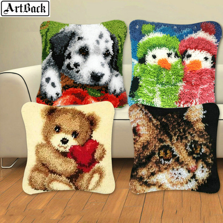 24 style animal series lock hook embroidery dog 3D paragraph embroidery bear carpet embroidery DIY buckle hook pillow decoration