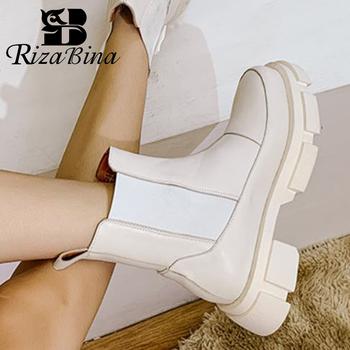 RIZABINA Ins prawdziwe skórzane damskie botki moda platforma ciepłe futro szpilki zimowe buty kobieta obuwie codzienne rozmiar 35-42 tanie i dobre opinie CN (pochodzenie) Prawdziwej skóry Skóra bydlęca ANKLE Skóra Split Okrągły nosek Zima Krótki pluszowe RUBBER Med (3 cm-5 cm)