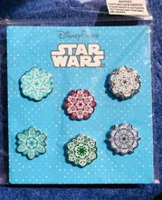 Disney Cartoon Distintivo Star Wars Bianco Soldato Darth Vader Yoda Fiocco di Neve Distintivo Kawaii Spille Zaino Spille s Distintivi E Simboli per vestiti(China)