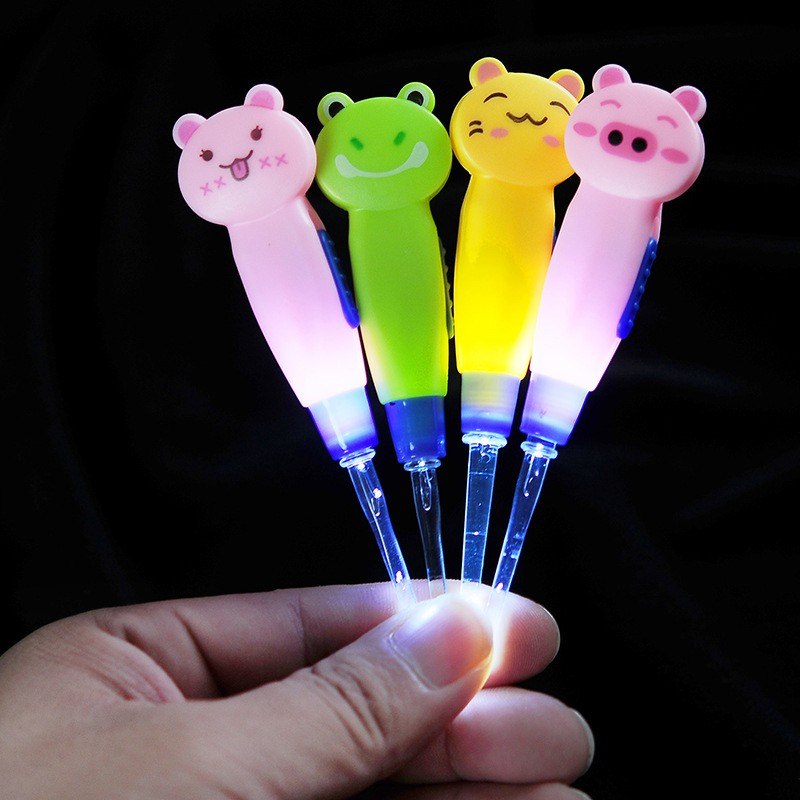 ABS Material Toddler Baby Ear Care Random Color Cute Cartoon Animals Shape Light Ear Spoon Pick Removable Luminous Ear Spoon