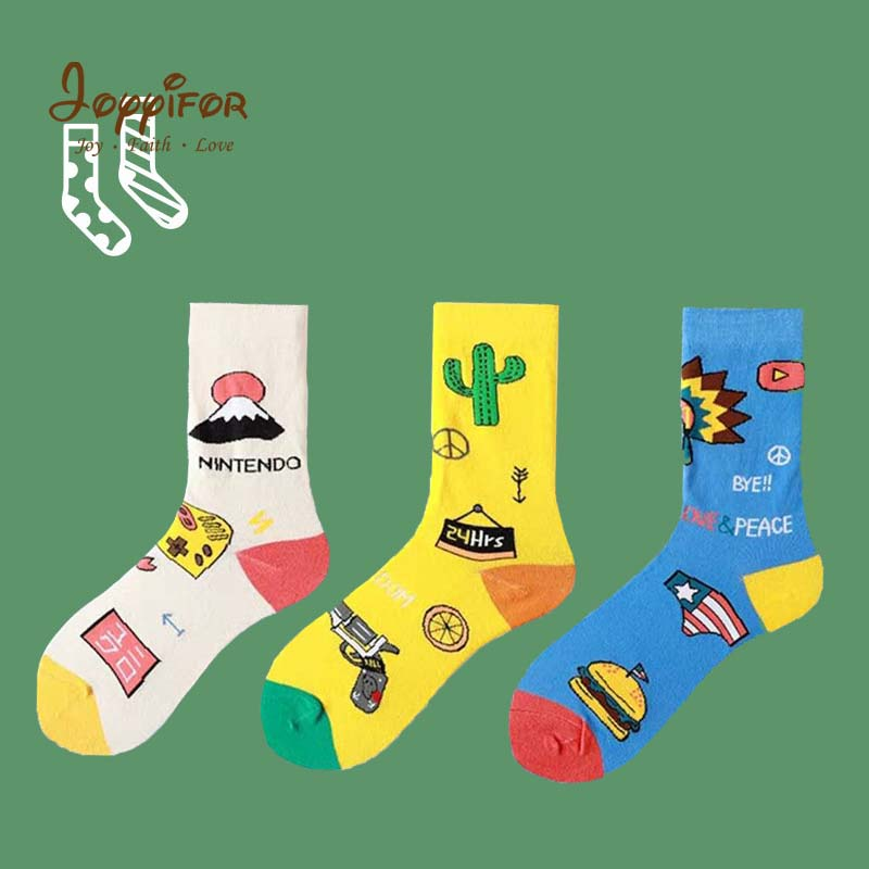 Cartoon American Captain Japanese Dolls Unisex Left Right Pattern Asymmetry Novelty Hip Hop Harajuku Socks Street Children Socks