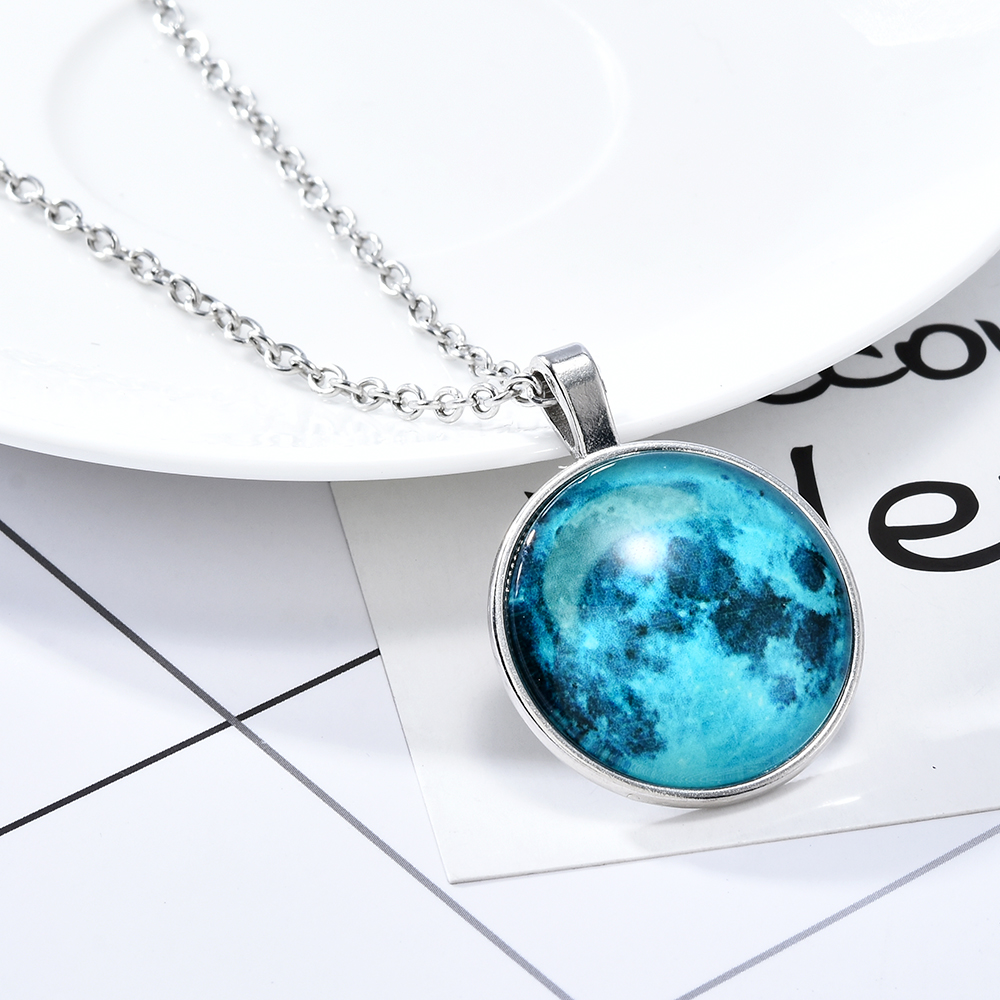 Fashion Women Lady Round Glass Fluorescent Glow In The Dark Moon Long Chain Pendant Necklaces Sweater Star Necklace Jewelry