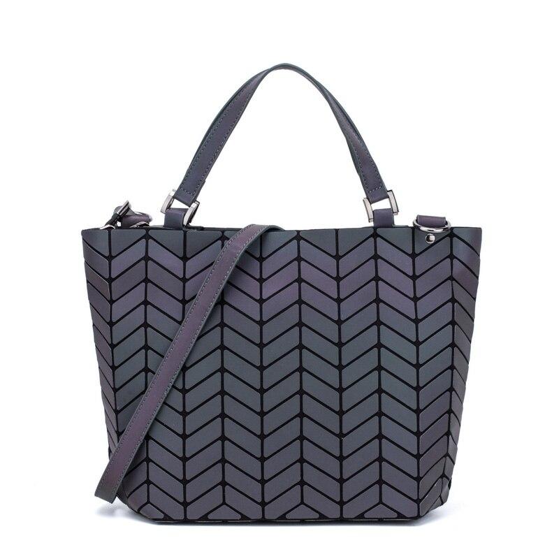 Famous-Brands-Women-Bao-Bag-Geometry-Sequins-Mirror-Saser-Plain-Folding-Bags-Bucket-Luminous-Handbags-Casual (1)
