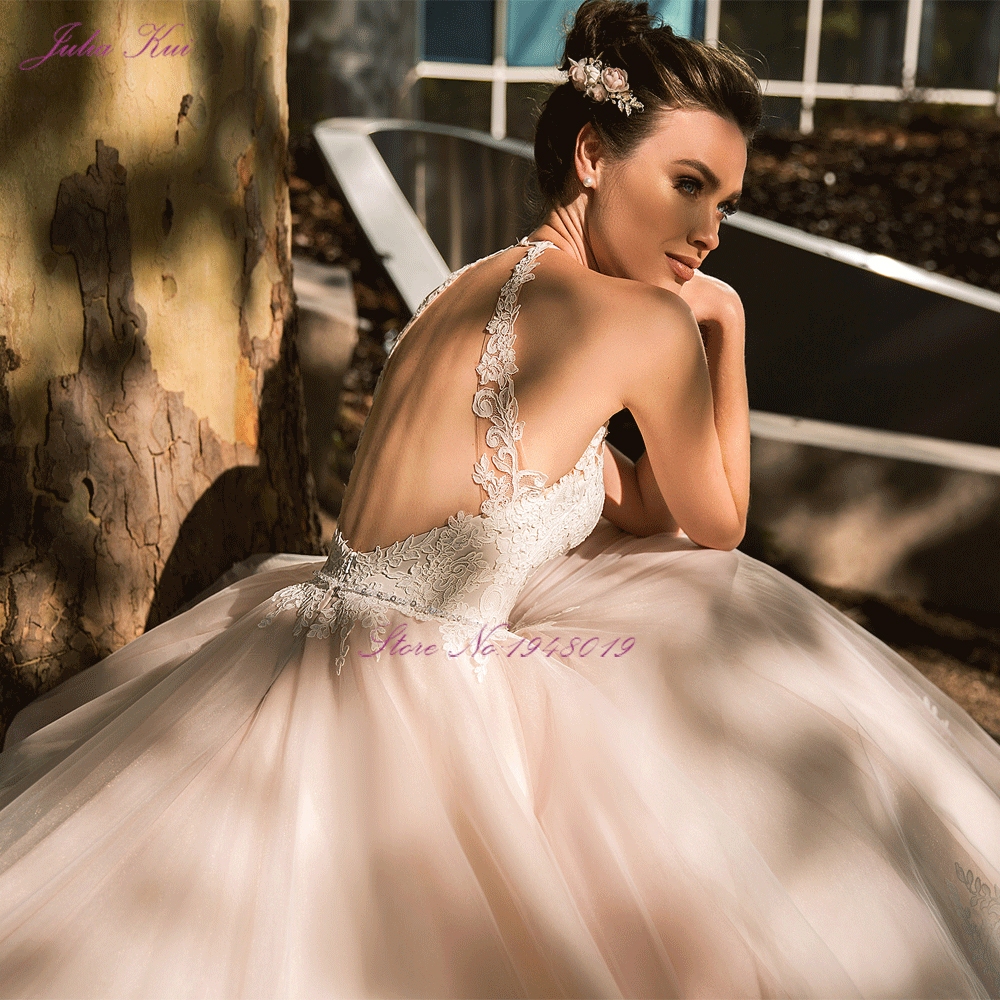 Julia Kui Vintage Ball Gown Wedding Dress 2020 Customized Sexy Halter Backless Court Train Princess Wedding Gowns - 2