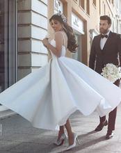 Новинка атласные Короткие свадебные платья длиной ниже колена