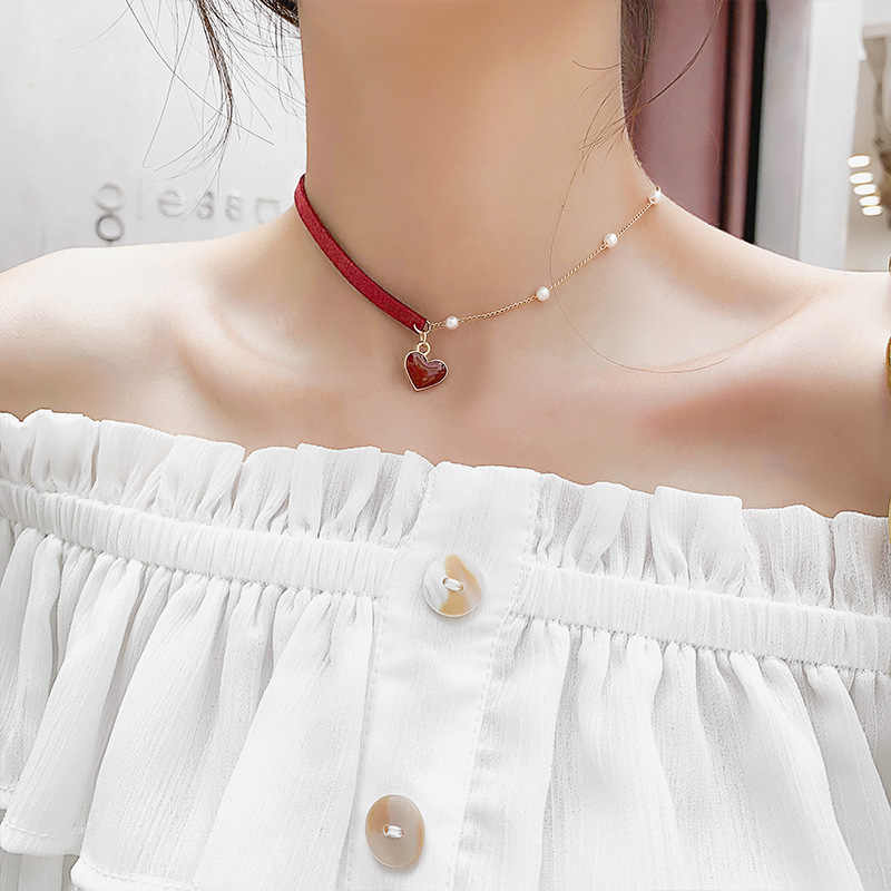 Small Red Heart Female Fashion Clavicle Chain Short Pearl Handmade Beaded Exquisite Elegant Neck Chain Personality Neckband