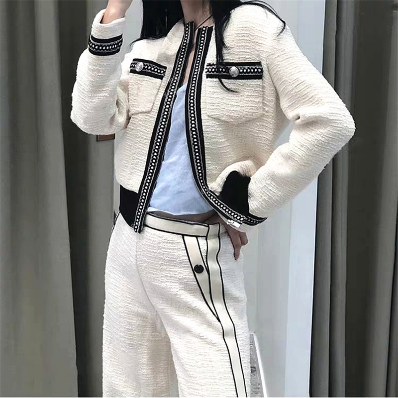 Kadın Giyim'ten Basic Ceketler'de Kadın Ceket 2019 Sonbahar/Kış Yeni Siyah ve Beyaz Kontrast Küçük Koku Uzun Kollu Bel Kısa Ceket'da  Grup 3