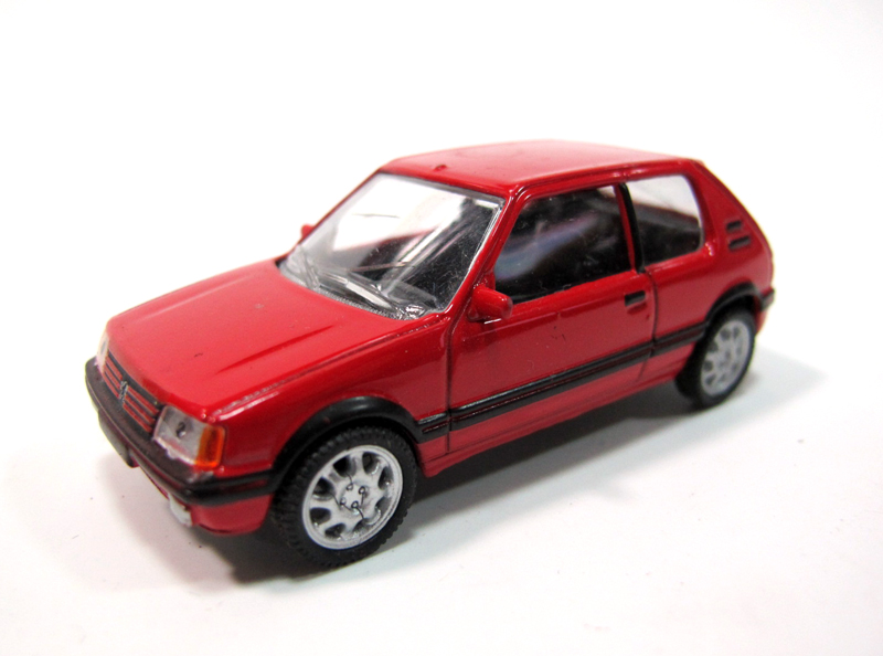 1/64 Alloy Simulator Peugeot 205 GTI Nostalgic Classic Car Model