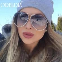 2020 New Fashion occhiali da sole da donna occhiali da sole di lusso oversize specchio da donna Retro Ladies Gradient Color occhiali da sole Hot UV400
