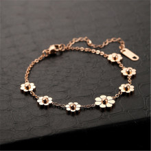 Korean Pop Delicate Small Daisy Rose Gold Fashion   Bracelet For Women Girls Party Jewelry Accessory Gifts 2020 new korean vintage star and moon rhinestone bracelet for women gold pearl girl bracelet gifts fashion jewelry accessory