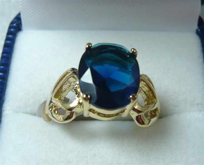 2 สีขายส่งสีแดง/สีฟ้าคริสตัล 18kgp แหวนแฟชั่น (#7.8.9)