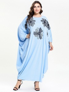 Embroidery Dubai Arab Muslim Dress Women Bat Sleeve Loose Abaya Dresses Middle East Islam Turkish Clothing Big Swing Summer Robe