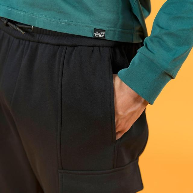 Comfortable cargo pants for spring in black