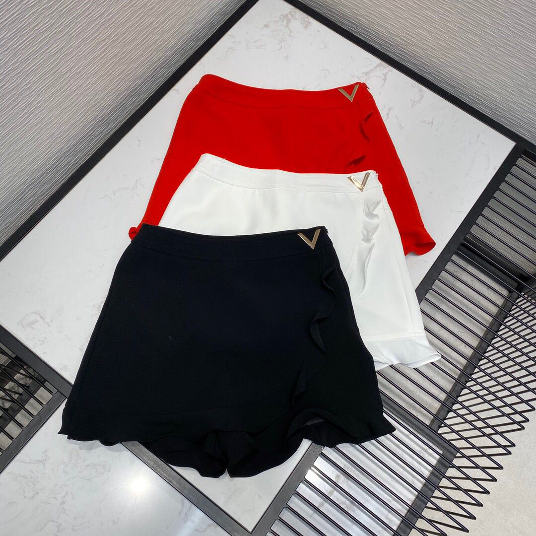 2020 new high-end luxury runway design skirt women ruffles metal V decoration zipper high waist sweet Korean short shorts 1