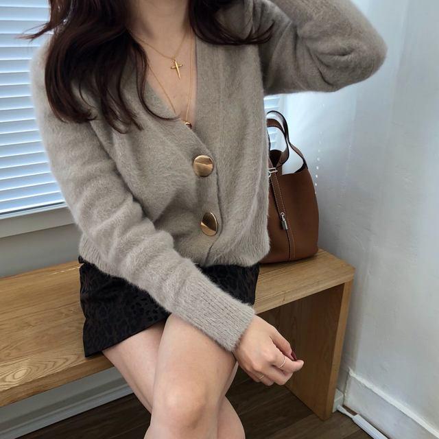 Mooirue Autumn Women Soft White Knitted Cashmere Sweater Double Button Women Warm Jumper V-Neck Winter Sweater 50