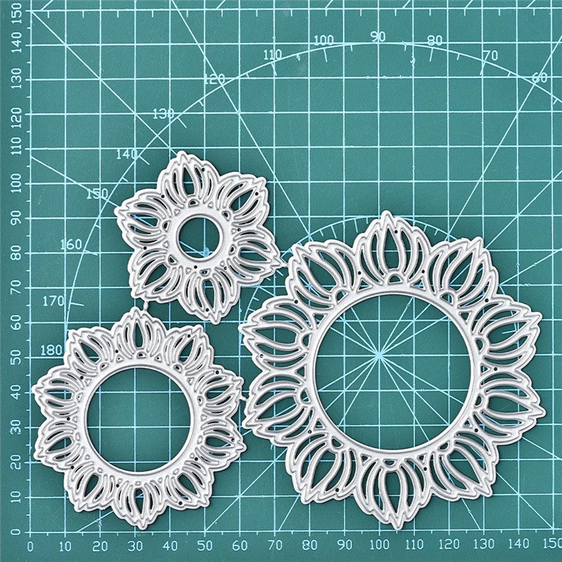 Blue Mix New Wreath Die-cuts pack of 10