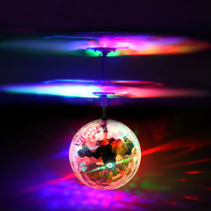 1 Pcs World Tech Toys Comet IR UFO Flying Ball Induction USB Rechargeable For Children FO Sale