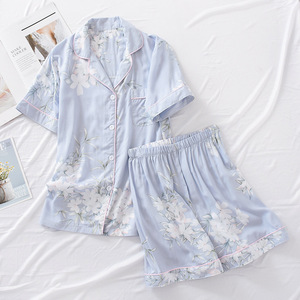 Image 2 - 여름 레이온 반바지 잠옷 세트 여성 잠옷 일본 신선한 꽃 짧은 소매 잠옷 세트 여성