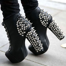 Sexy Punk Frauen Spiky Metall Nieten Studs Chunky High Heel Stiefeletten Plattform Damen Bühne Spikes Abdeckung Lace up Kurze bottines