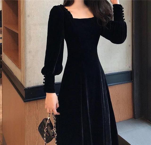 Autumn and winter 2021 new gold velvet dress women French retro square collar waist Office Lady  Knee-Length 1