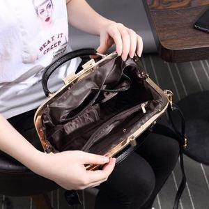 Image 3 - [Telastar] 2019 حصان الكتف امرأة حقيبة مزاجه المحمولة بوسطن محفظة حقيبة بإطار جلد طبيعي و الفراء الشتاء حقيبة يد