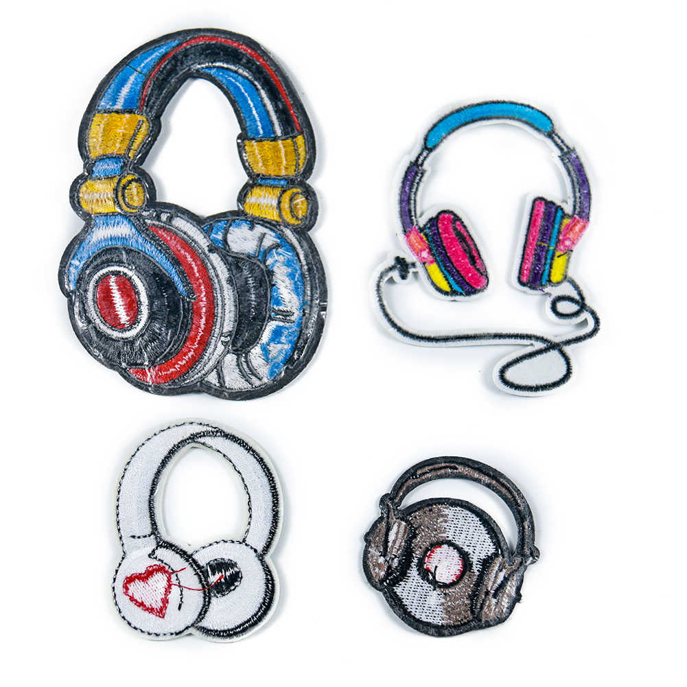 새로운 도착 고품질의 음악 이어폰 헝겊 붙여 넣기 색상 붉은 심장 이어폰 레코드 이어폰 어린이 의류 바지 패치