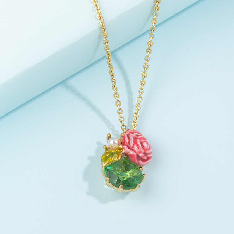 オリエンタルローズシリーズ花象眼細工の真珠エメラルド鎖骨ネックレス銅 18k ゴールドメッキ色ドリップ釉薬アクセサリー卸売