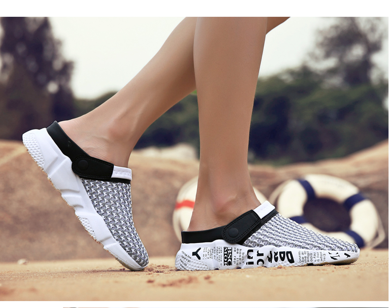 Hot Sale 2019 New Men Summer Shoes Slip On Croc Clogs Water Sandals Breathable Light Jogging Sneakers Casual Beach Slippers Flat Sandals Strappy