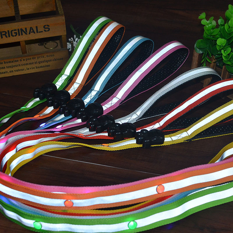 Pet Supplies LED Shining Pet Traction Rope Nylon Dog Rope Small Medium Large Quan La Dai Awesome