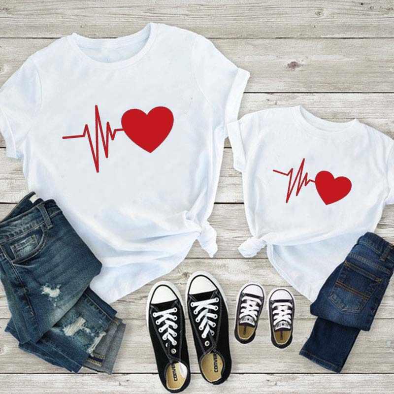 Mãe e filha bonito roupas mãe filha correspondência amor vermelho impressão t camisa família combinando roupas mamãe e me roupas