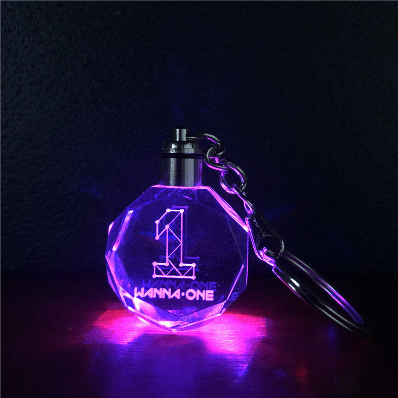 Korea Wanna One Produce 101 LED Crystal LED Light Pendant Keychain Keyring Color Change Model Toy Collection Key Ring Fans Gift