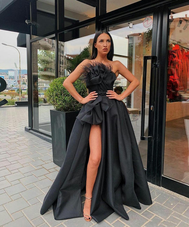 Black Muslim Evening Dresses A-line Strapless Feather Slit Islamic Dubai Saudi Arabic Long Evening Gown Prom Dress