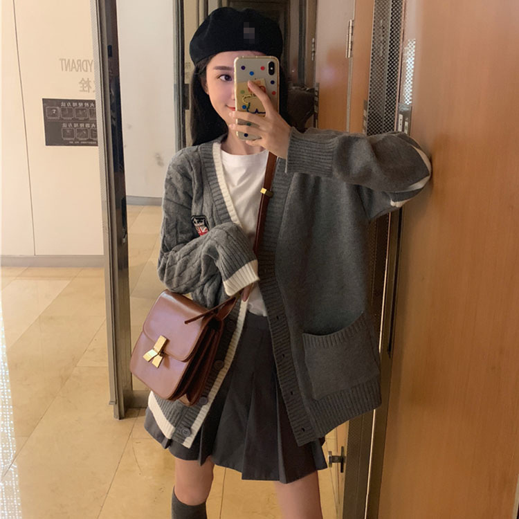 2019 College Style Fashion Sweater Coat Female Loose Long Section Badge Knit Cardigan. Korean Style Women Colthes.