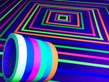 Fluoreszierende Tuch Band, Band Blacklight Reaktiven Rolle, glow in The Dark Band Unter UV Schwarz Licht (6 Farben) Wand Aufkleber Partei
