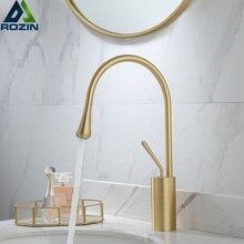 Fırçalanmış altın havzası musluk tek kolu 360 rotasyon bacalı pirinç mikser dokunun mutfak için sıcak soğuk su banyo havzası su lavabo