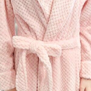 Image 5 - 女性の冬プラスサイズロングフランネルバスローブピンク暖かい着物バスローブセクシーな花嫁介添人ガウン男性ローブナイトパジャマ