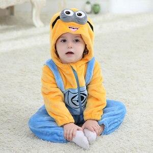 Image 5 - תינוק בגד גוף Minions Kigurumis אנימה Cartoon קוספליי תלבושות תינוק סרבל תינוקות חורף שינה לשחק משחק סרבל מצחיק פיג מה פלנל
