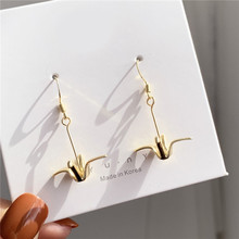 Temperament and contracted papercranes earrings wind girl super sweet personality earrings adorn article the new european and american fashion earrings contracted dazzle colour hollow out long wings ms popular earrings adorn article